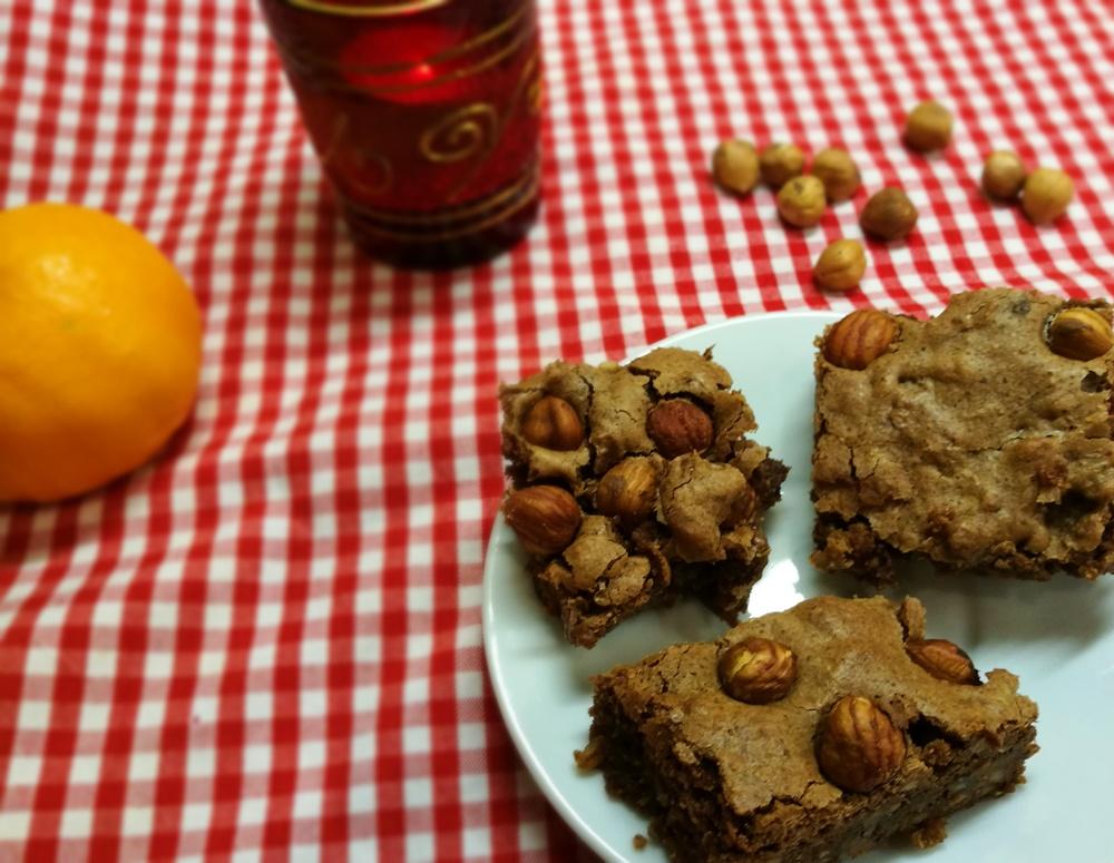 Weihnachts-Bäckerei: Nougat-Haselnuss-Brownies